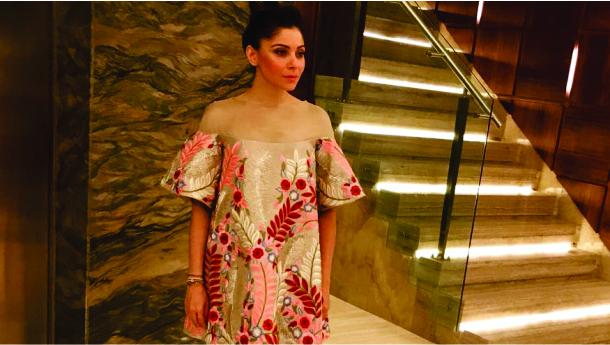 Birthday girl Kanika Kapoor mesmerises us in a Manish Malhotra Ensemble!