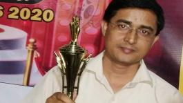Renowned film critic Yogesh Mishra received Cinema Aajtak Achievers Awards 2020