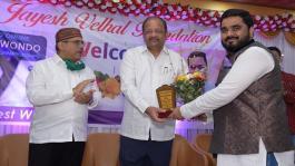 Taekwondo medalist students, doctors & Press reporters awarded by Jayesh Velhal Foundation
