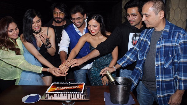Vidyut Jammwal along with the team celebrates Commando 3 Success