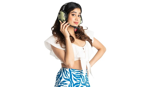 Fly in a helicopter with Janhvi Kapoor by donating to a great cause on Fankind!