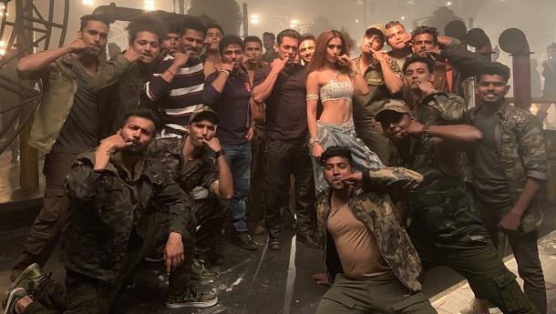 Salman Khan calls Devi Sri Prasad Outstanding; the duos' recent collaboration Seeti Maar records fastest 100 Million on YouTube.