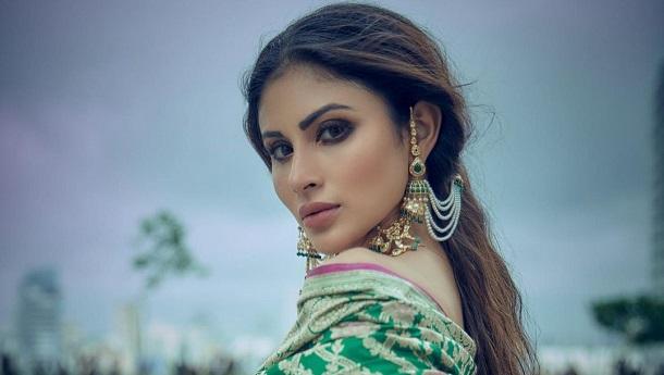 Actress Mouni Roy wishes a scrumptious Durgo Pujo with India Gate Super
