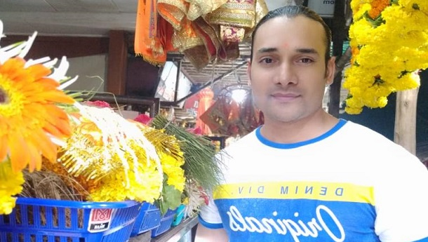 Arun Mandola  went to Siddhivinayak to take Bappas blessings!
