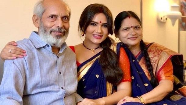 &TV actors express gratitude towards their parents on Parents Day